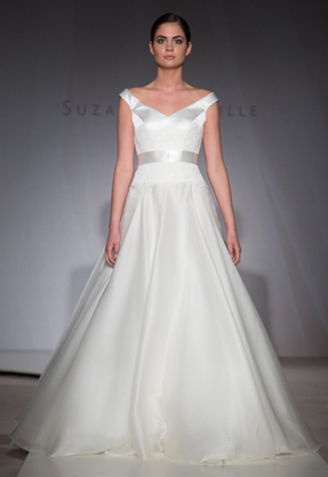 Designer wedding dress sample sale online junoir for Kleinfeld wedding dresses sale